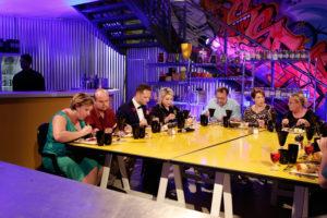 Lianie en Fans tafel